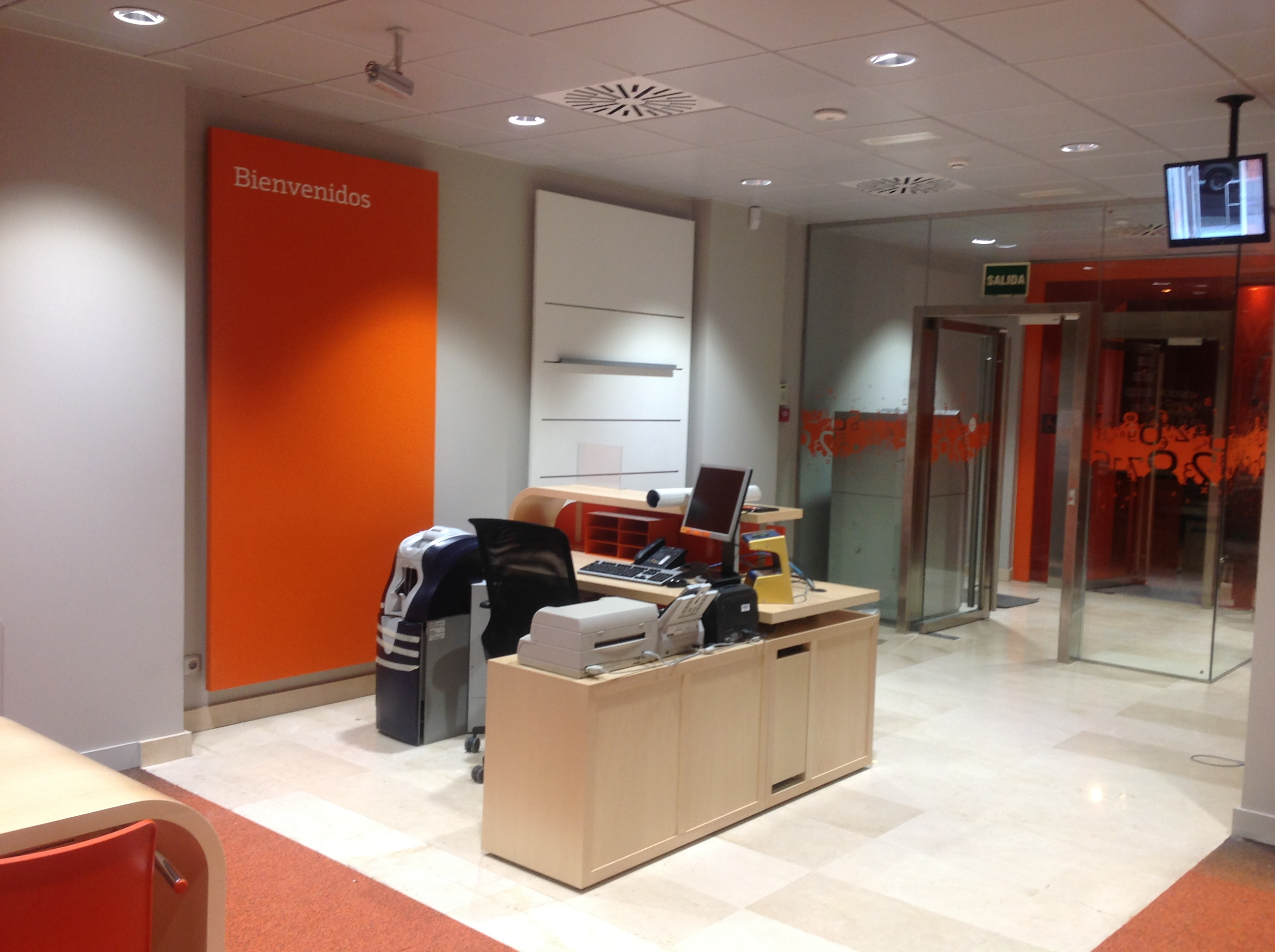 Entrega oficina bankinter ibi bojuna for Oficina virtual bankinter
