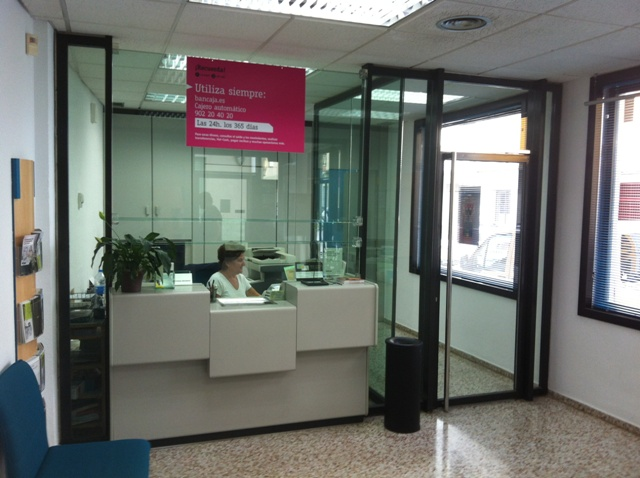 Entrega obra oficina bankia quatretonda bojuna for Oficina 6557 bankia